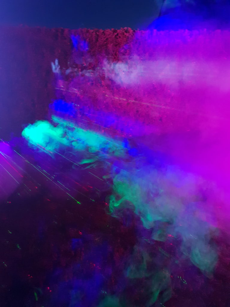 Nebel und Laser